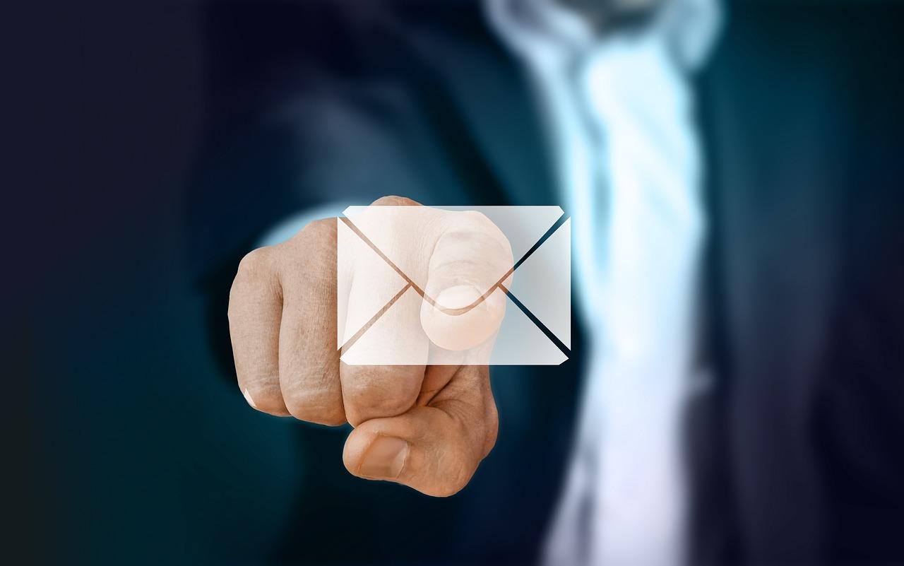 email giả mạo chiếm hơn 50% số lượt tấn công mạng.