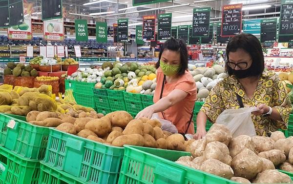 Hàng hóa đầy ắp kệ hàng siêu thị tại Hà Nội. Ảnh: Hà Nội Mới chụp ngày 8/5/2021.  Hàng hóa đầy ắp kệ hàng siêu thị tại Hà Nội. Ảnh: Hà Nội Mới chụp ngày 8/5/2021.