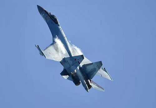 'Vua tác chiến' Su-35 của Nga vượt trội 'chim ăn thịt' F-22