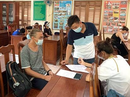 Đà Nẵng: Phạt 1 người nước ngoài, 7 người Việt vì vi phạm quy định phòng chống dịch