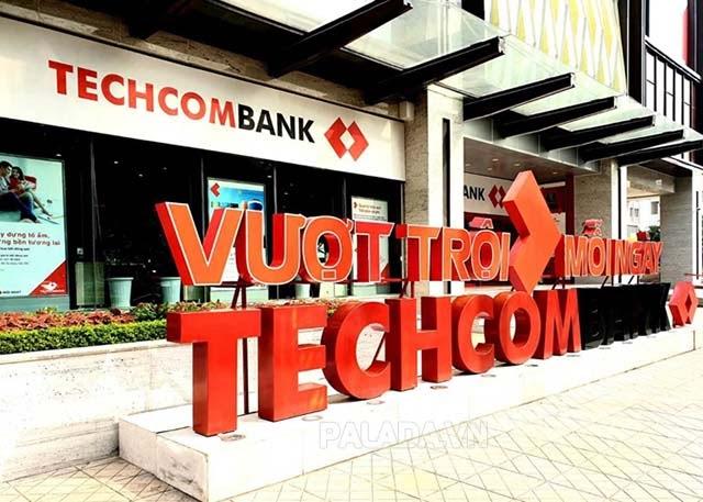 Techcombank trở thành ngân hàng có vốn hoá lớn thứ 2 trên sàn chứng khoán