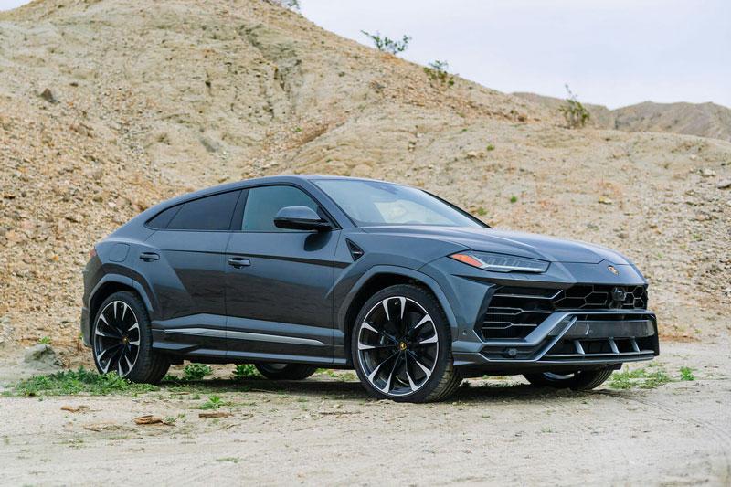 =1. Lamborghini Urus (công suất tối đa: 641 mã lực, thời gian tăng tốc từ 0-100 km/h: 3,2 giây).