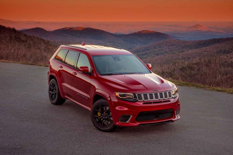 =3. Jeep Grand Cherokee Trackhawk (công suất tối đa: 707 mã lực, thời gian tăng tốc từ 0-100 km/h: 3,5 giây).