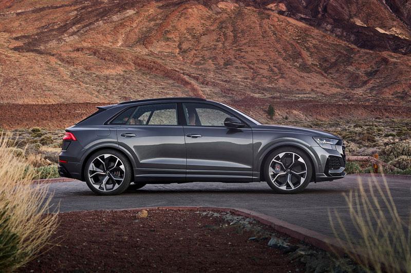 =6. Audi RSQ8 (công suất tối đa: 591 mã lực, thời gian tăng tốc từ 0-100 km/h: 3,7 giây).