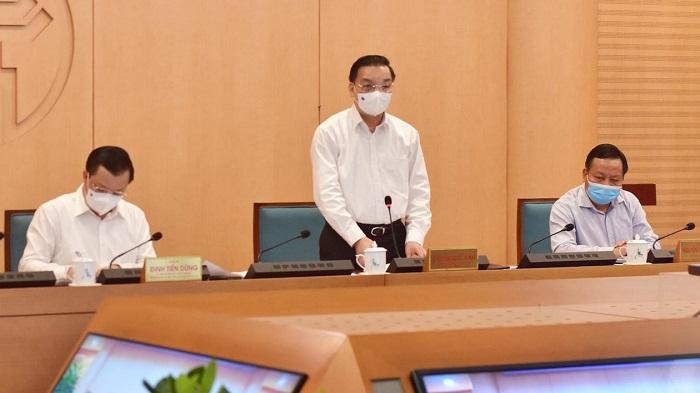 Chủ tịch Hà Nội yêu cầu xem xét tạm dừng hoạt động quán bia hơi để chống dịch Covid-19.
