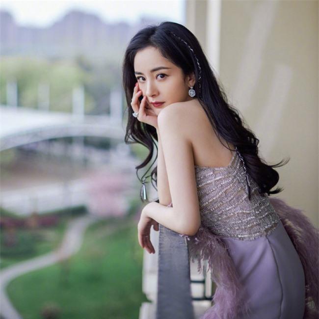 Dương Mịch đi chụp ảnh cưới, phải chăng đã cùng Ngụy Đại Huân kết hôn? - Ảnh 2.