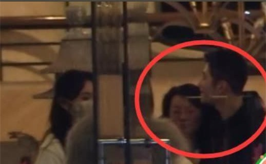 SỐC: Phùng Thiệu Phong tung clip ngoại tình của Triệu Lệ Dĩnh với đạo diễn 67 tuổi, nữ diễn viên khóc lóc xin lỗi - Ảnh 5.