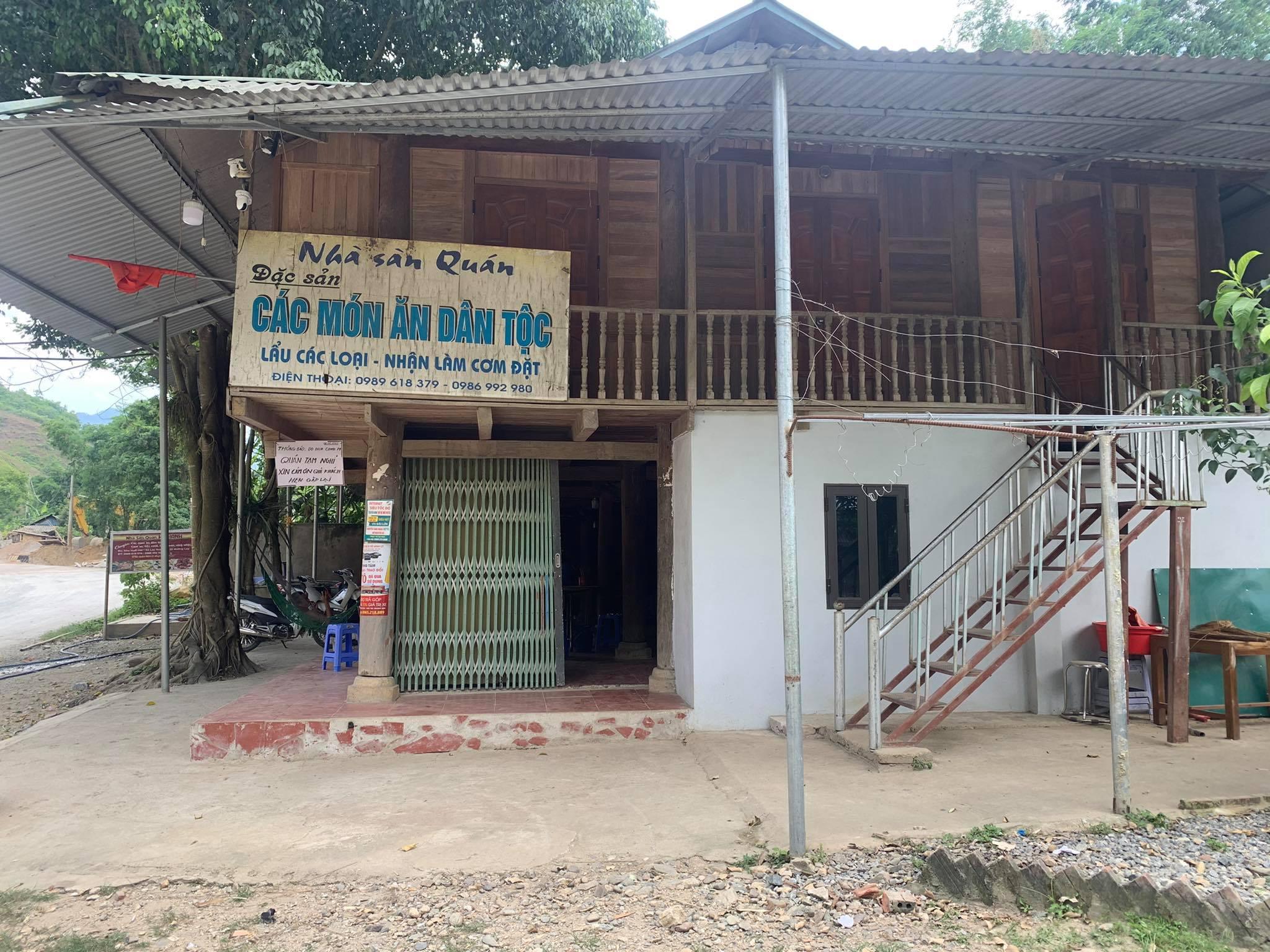 Nhà sàn Quán ở thị xã Mường Lay, tỉnh Điện Biên đã tự nguyện đóng cửa phòng, chống dịch.