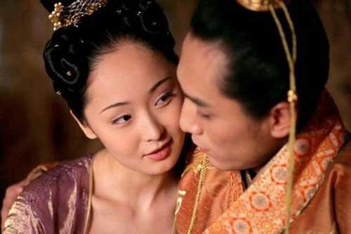 Hoàng đế say rượu thị tẩm nhầm người, không ngờ tạo ra kết quả ấn tượng, giúp nhà Hán tồn tại thêm gần 200 năm