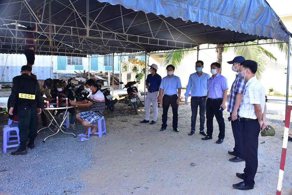 Chốt kiểm soát y tế tại huyện Phú Lộc, tỉnh Thừa Thiên Huế.
