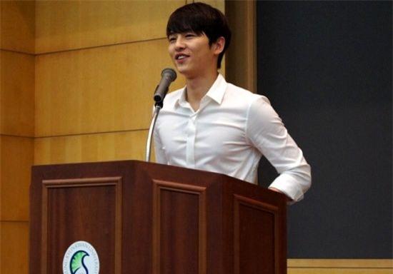 Bài đăng của Song Joong Ki thời đại học bỗng bị đào lại, ai ngờ học trưởng đẹp trai huyền thoại hồi đó khác hẳn bây giờ - Ảnh 3.
