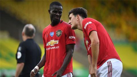 Bailly (trái) đã sẵn sàng thay thế Maguire khi trung vệ này dính chấn thương