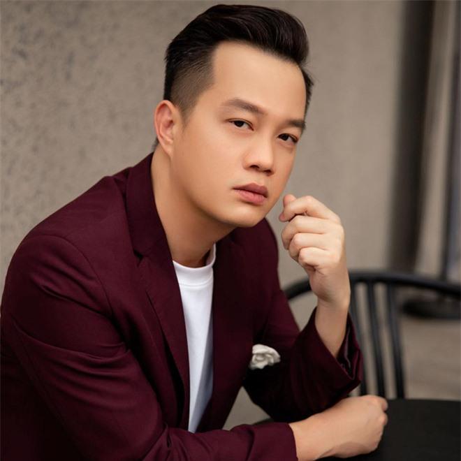 Đạo diễn Gái Già Lắm Chiêu đăng đàn tìm mỹ nhân, NSND Hồng Vân - BB Trần vội ứng cử rồi nhận ngay kết đắng - Ảnh 2.