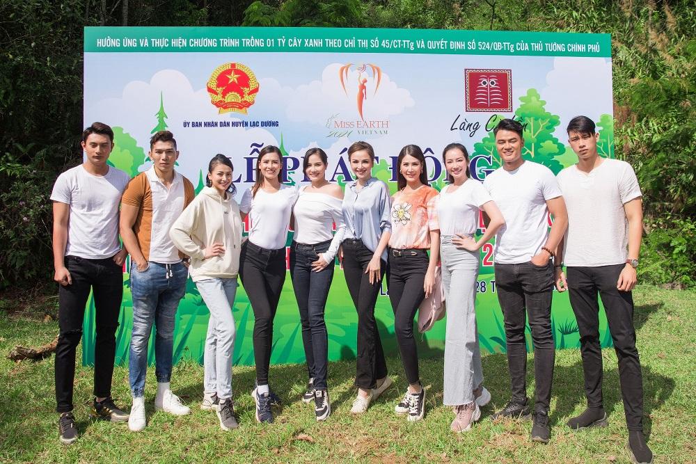 Dàn sao tham gia Miss Earth Vietnam 2021 đội nắng tham gia trồng cây xanh tại huyện Lạc Dương, Lâm Đồng.