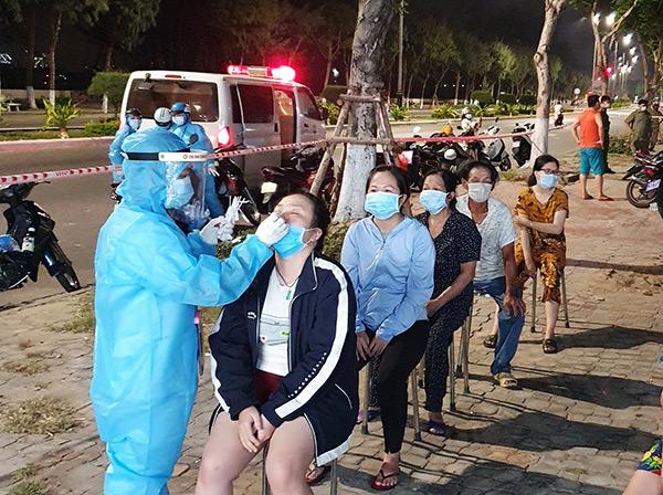 Đà Nẵng thông báo khẩn: Phát hiện người nhà bệnh nhân dương tính, Trung tâm Y tế quận Liên Chiểu tạm ngừng hoạt động
