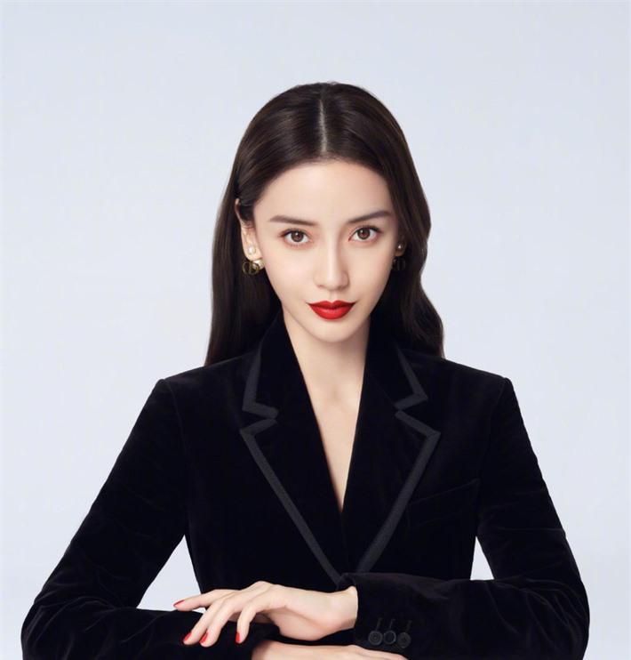 Những mỹ nhân Hoa ngữ đẹp nhất trong mắt người Hàn Quốc: Dương Mịch mất hút, Triệu Lệ Dĩnh và Địch Lệ Nhiệt Ba vẫn phải lép vế trước nữ idol này - Ảnh 13.
