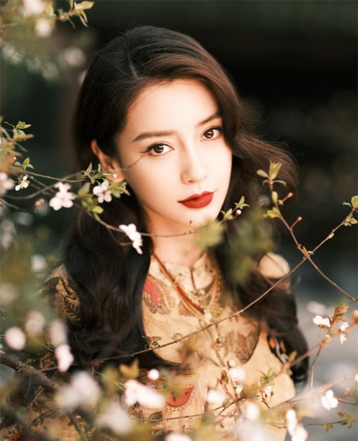 Những mỹ nhân Hoa ngữ đẹp nhất trong mắt người Hàn Quốc: Dương Mịch mất hút, Triệu Lệ Dĩnh và Địch Lệ Nhiệt Ba vẫn phải lép vế trước nữ idol này - Ảnh 14.