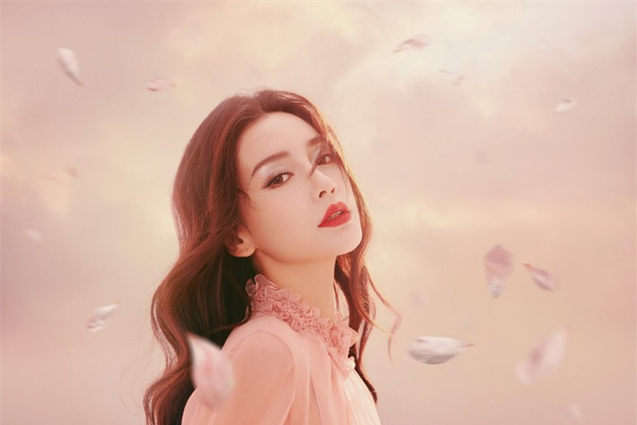 Những mỹ nhân Hoa ngữ đẹp nhất trong mắt người Hàn Quốc: Dương Mịch mất hút, Triệu Lệ Dĩnh và Địch Lệ Nhiệt Ba vẫn phải lép vế trước nữ idol này - Ảnh 15.