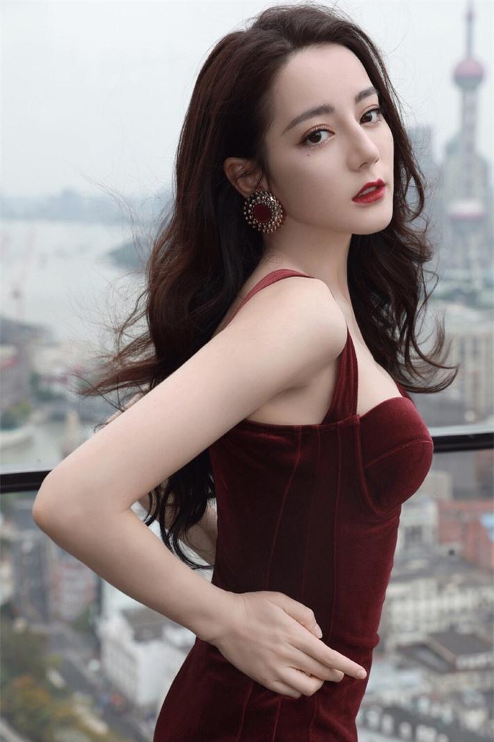 Những mỹ nhân Hoa ngữ đẹp nhất trong mắt người Hàn Quốc: Dương Mịch mất hút, Triệu Lệ Dĩnh và Địch Lệ Nhiệt Ba vẫn phải lép vế trước nữ idol này - Ảnh 6.