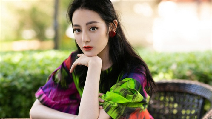 Những mỹ nhân Hoa ngữ đẹp nhất trong mắt người Hàn Quốc: Dương Mịch mất hút, Triệu Lệ Dĩnh và Địch Lệ Nhiệt Ba vẫn phải lép vế trước nữ idol này - Ảnh 7.