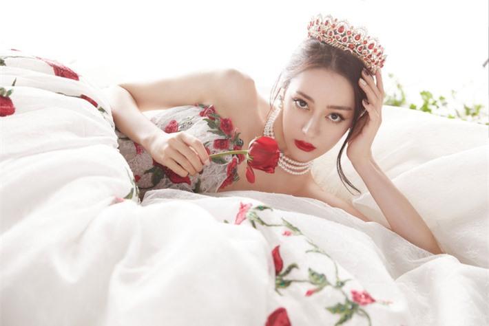 Những mỹ nhân Hoa ngữ đẹp nhất trong mắt người Hàn Quốc: Dương Mịch mất hút, Triệu Lệ Dĩnh và Địch Lệ Nhiệt Ba vẫn phải lép vế trước nữ idol này - Ảnh 8.