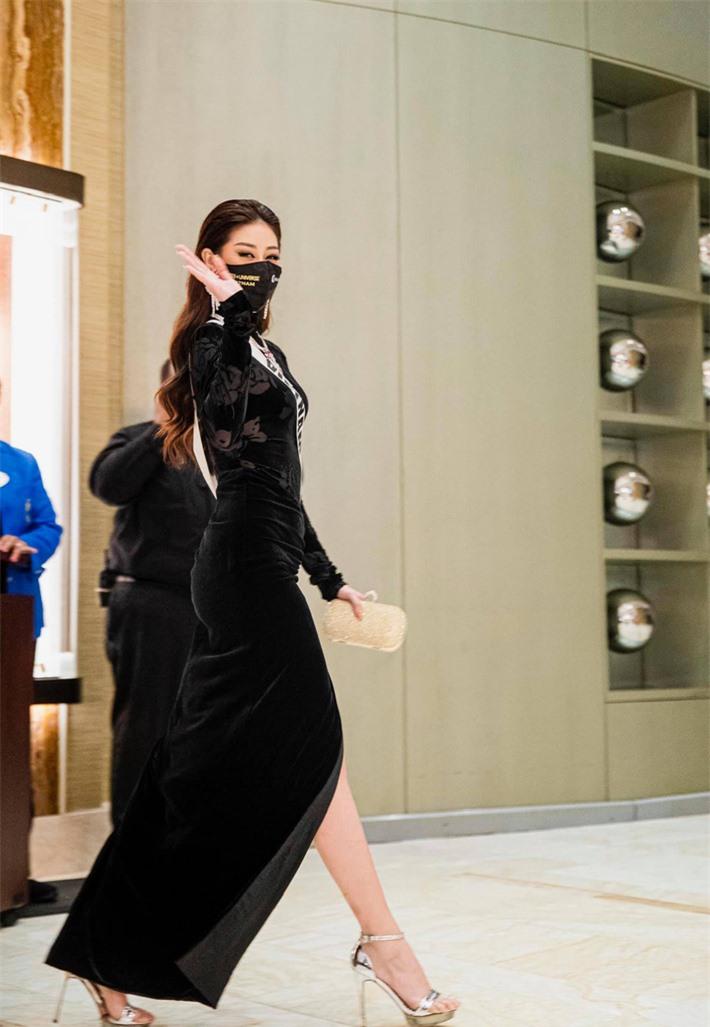 Bất ngờ chưa, Khánh Vân qua những bức ảnh chụp vội của
