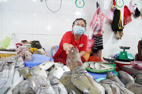 Giá cả hàng hóa ở các chợ Đà Nẵng bình ổn, không có biến động dù tình hình dịch COVID-19 đang có diễn biến phức tạp