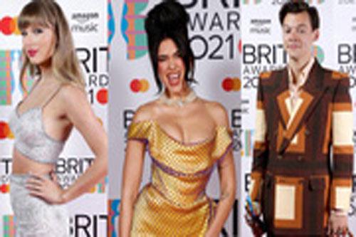 Taylor Swift lộ vòng 2 to bất thường, chạm mặt tình cũ Harry Styles