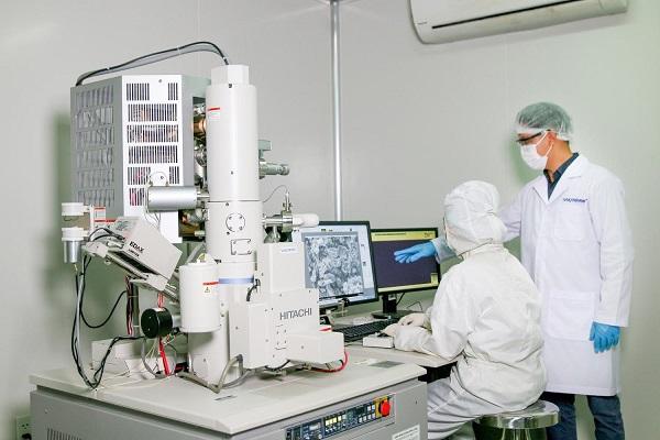 Việt Nam là những nước đi đầu trong việc sáng chế thành công công nghệ mới trong việc sản xuất khẩu trang và các thiết bị phòng dịch để chủ động phòng, chống lại đại dịch toàn cầu.