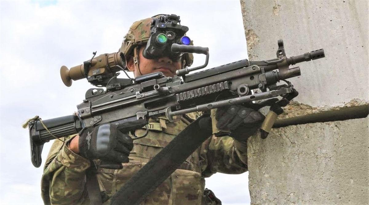 ENVG-B cho phép người lính bắn súng và giảm đáng kể rủi ro phơi bày trước hỏa lực của đối phương; Nguồn: msn.com