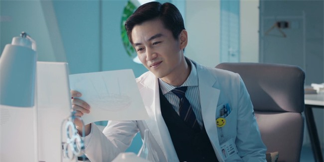 Mê mẩn với tạo hình bác sĩ nha khoa cực điển trai của Trần Hiểu - Ảnh 5.