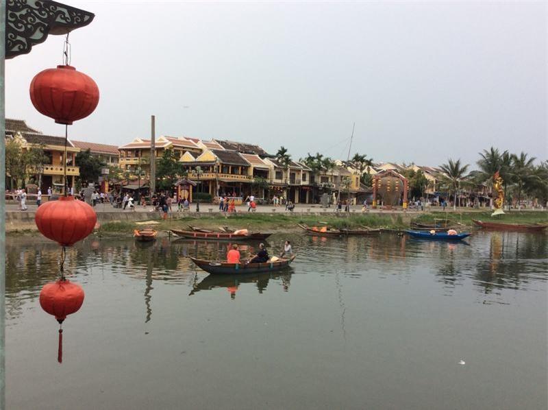 Phố Hội - sông Hoài êm ả khi chiều buông