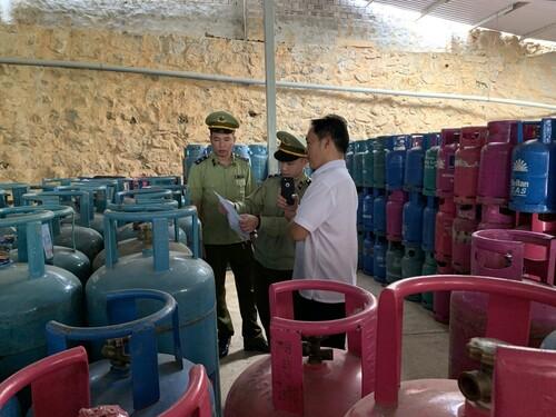 QLTT Sơn La: Tăng cường kiểm tra, xử lý vi phạm trong kinh doanh LPG theo kế hoạch