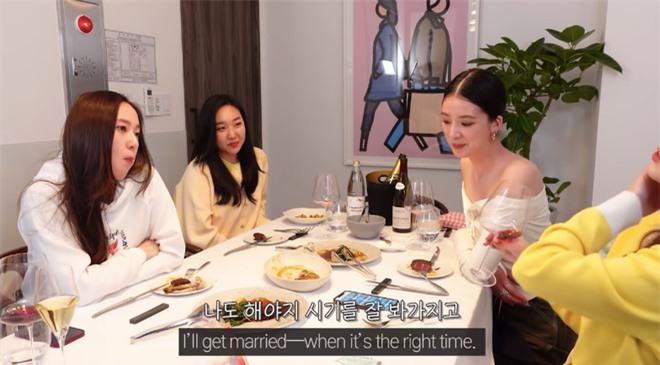 Em gái Krystal vừa hỏi chuyện, Jessica đã lộ luôn hint chuẩn bị cưới bạn trai đại gia sau 8 năm bên nhau? - Ảnh 3.