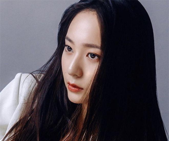 Em gái Krystal vừa hỏi chuyện, Jessica đã lộ luôn hint chuẩn bị cưới bạn trai đại gia sau 8 năm bên nhau? - Ảnh 9.