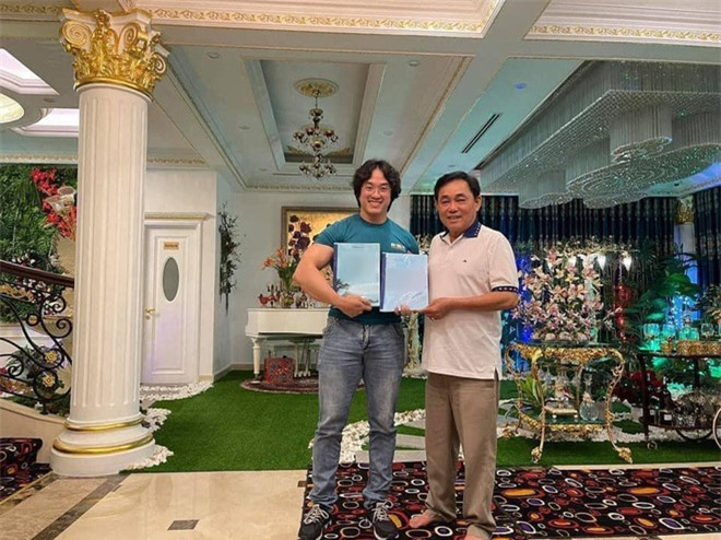 Gymer Duy Nguyễn bất ngờ đến tận nhà gặp gỡ, khen ngợi đại gia Nguyễn Phương Hằng - Ảnh 3.