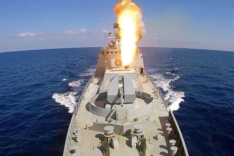 Một vụ phóng tên lửa từ tàu sân bay. Ảnh minh họa.
