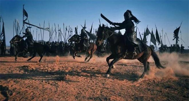 Hoàng Trung trước khi chết thều thào nói 8 chữ, Lưu Bị nghe xong đùng đùng nổi giận, Triệu Vân cũng không giữ được bình tĩnh - Ảnh 6.