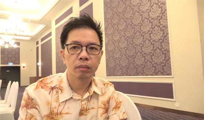 Thái Hòa: Tôi đang nằm ngủ bỗng bật dậy khóc nức nở, vợ phải bạc tóc theo tôi - Ảnh 1.