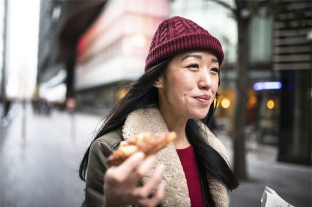 10 thói quen ăn sáng tai hại, nguy hiểm hơn cả không ăn mà nhiều người mắc phải 2