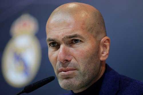 Zidane thông báo nội bộ sẽ rời Real vào cuối mùa