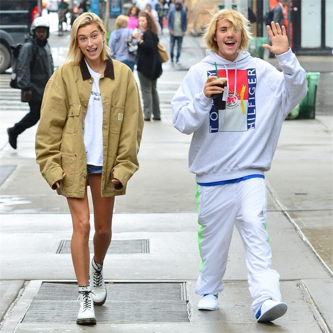 Hốt hoảng khi thấy vợ chồng Justin Bieber hẹn hò: Chồng tóc như ổ gà, Hailey lây style, nhưng xế hộp 7,6 tỷ mới là điểm nhấn - Ảnh 7.