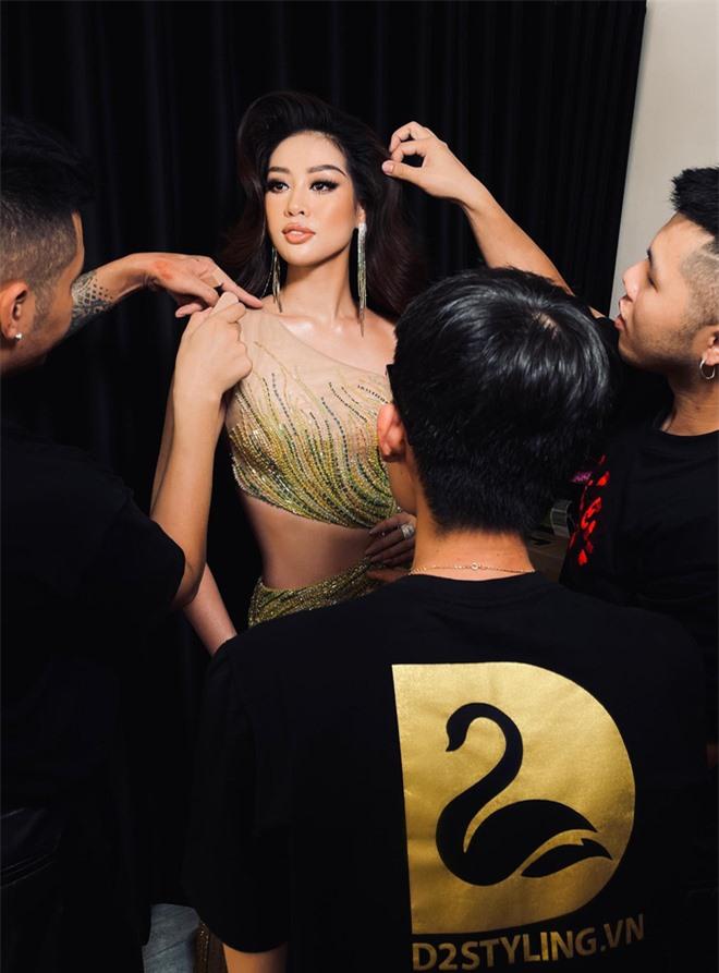 """Người đứng sau outfit """"chặt chém"""" của Khánh Vân thừa nhận từng cãi vã, tiết lộ tính cách nàng hậu trước khi chinh chiến ở Miss Universe - Ảnh 2."""