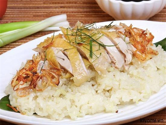 Hạn chế ăn xôi cùng thịt gà