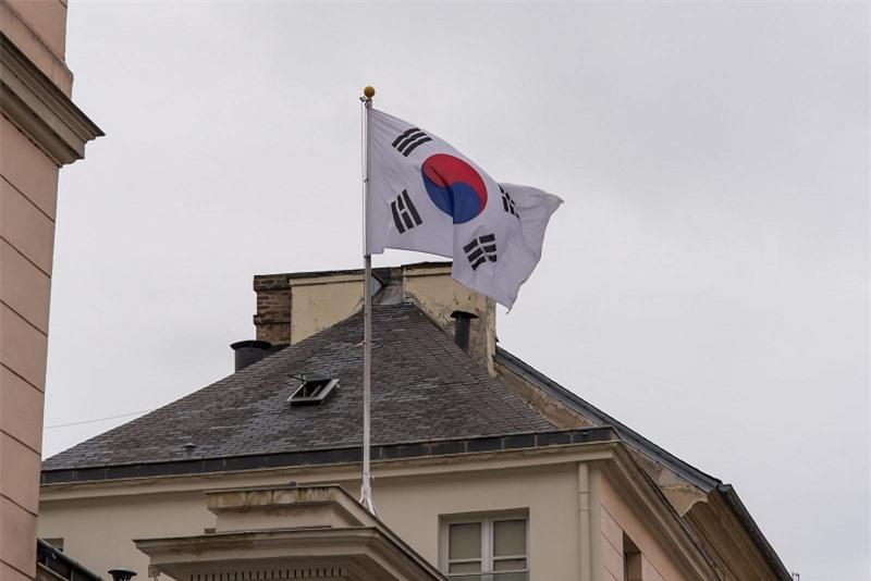 Giữa Covid-19, Hàn Quốc vươn lên trở thành nền kinh tế lớn thứ 10 thế giới. Ảnh minh họa: AFP