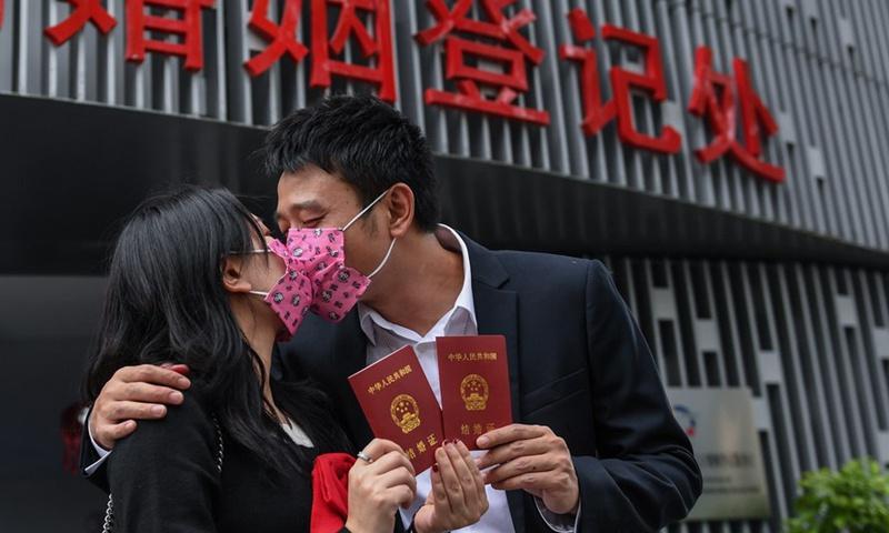 Người trẻ Trung Quốc có suy nghĩ ngày càng cởi mở về chuyện hôn nhân.