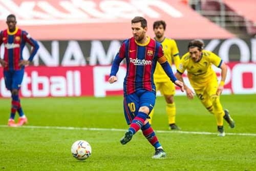 Vua phá lưới La Liga: Messi sắp vượt hai tượng đài Real Madrid