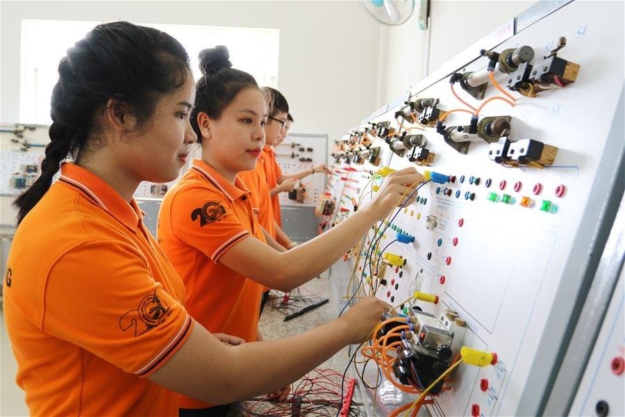 Tuổi trẻ cả nước đã chủ động tiến quân, làm chủ lĩnh vực khoa học và công nghệ.