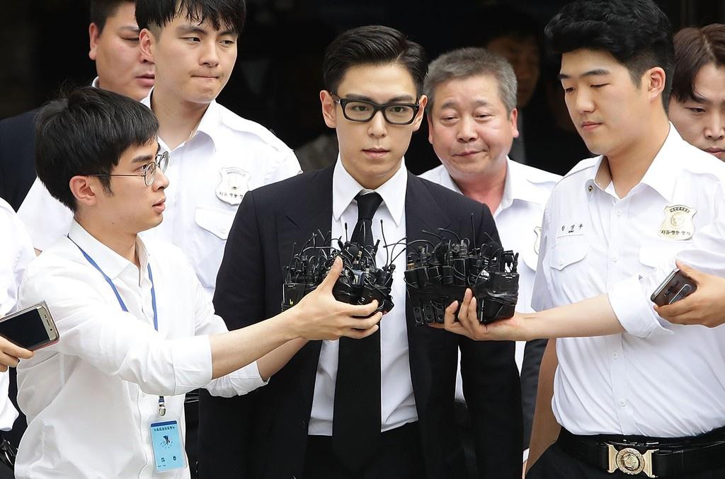 Trước khi vướng vào scandal hút cần sa, T.O.P là rapper nổi tiếng hàng đầu Hàn Quốc.