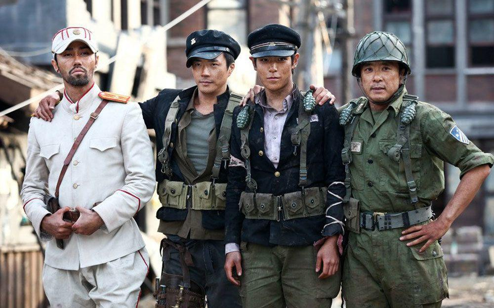 T.O.P nhận được nhiều giải thưởng diễn xuất khi tham gia 71: Into The Fire (2010) cùng Kwon Sang Woo, Cha Seung Won.